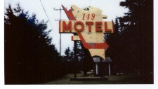http://chloebeaulac.com/files/gimgs/th-192_WEB_Motel 149, Mont-Tremblant, 2019.jpg